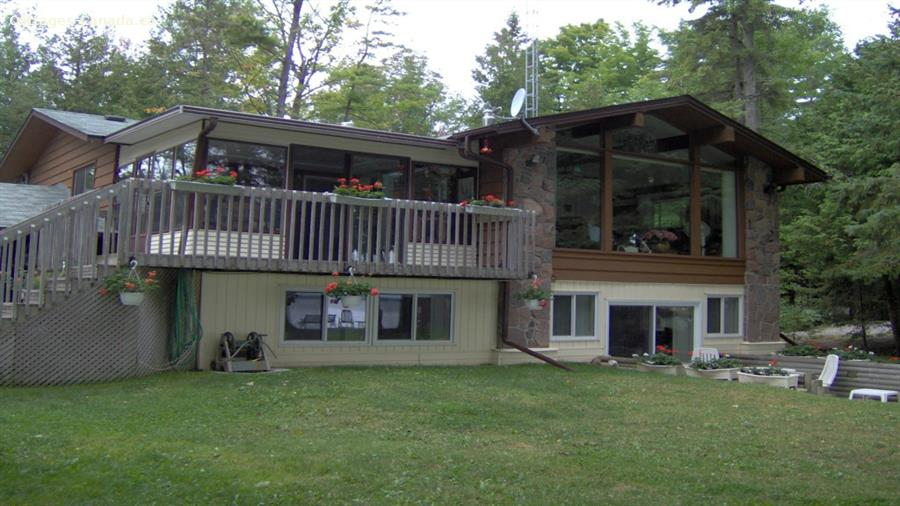 ski cottage rentals at the base of a mountain Fenelon Falls, Kawarthas and Northumberland