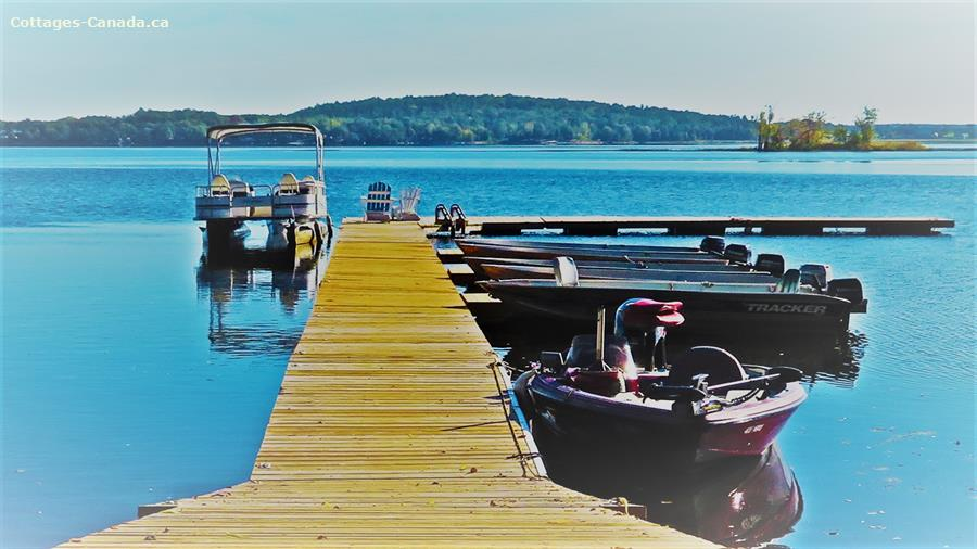 Cottage rental | #3 Waterfront Beachwood Hollow Resort