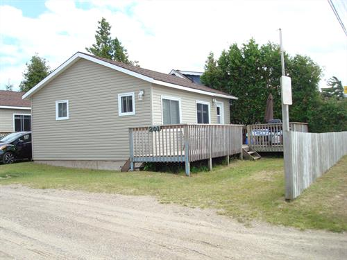 Cottage rental | Steps from the Lake - Beach Cottage