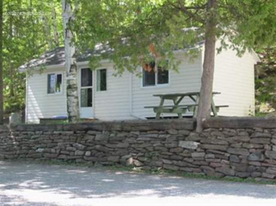 cottage rental South Eastern Ontario, Seeley's Bay (pic-1)