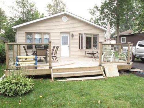Cottage rental | Overlooking Lake Simcoe