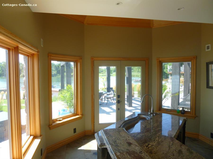 Wolfe Island Cottage Rental