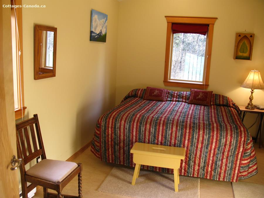 cottage rental Kootenay Rockies, Slocan (pic-9)