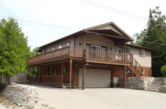 Cottage rental | 803 Second Avenue South, Sauble Beach