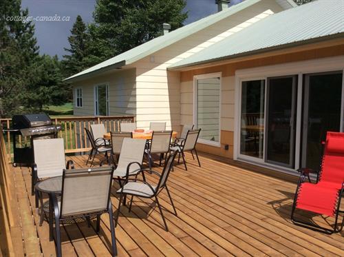 Cottage rental qu bec qu bec rivi re pierre senat for Laurentian mountains cabin rental