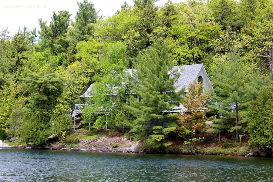 Cottage rental | 1226 Island Cottage