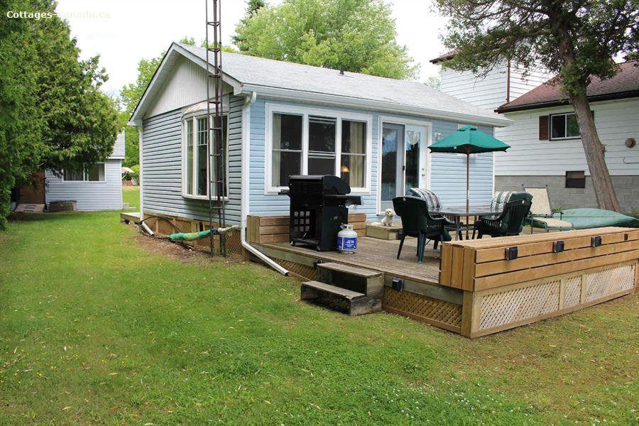 Cottage rental | Bluebird Waterfront Cottage