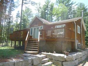 waterfront cottage rentals Bancroft, Haliburton Highlands