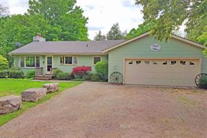 waterfront cottage rentals Grand Bend, Southwest Ontario